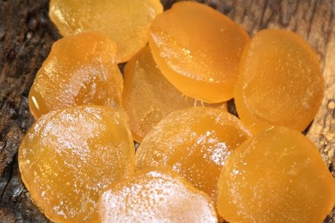 drained sliced ginger glacé